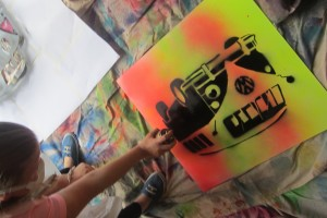 camper-stencil-spraying