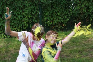 paint-throwing2